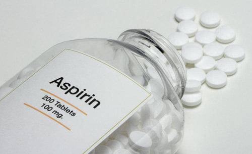 ban-se-bat-ngo-khi-biet-thuoc-aspirin-la-duoc-giup-khu-vuon-xanh-tot-9