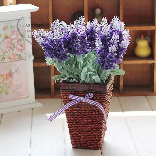 hoa-lavender-qua-dep-ma-thom-lai-duoi-duoc-muoi-toi-gi-khong-tu-trong-vai-chau-tai-nha-5